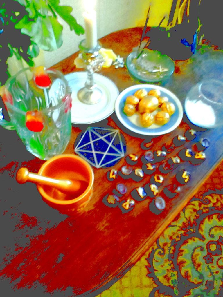 магические предметы расположены на алтаре